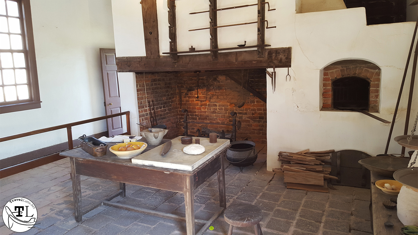Mount Vernon's Kitchen - Touring Mount Vernon via @TravelLatte.net