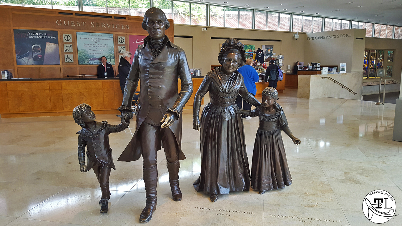 Statues of the Washingtons - Touring Mount Vernon via @TravelLatte.net