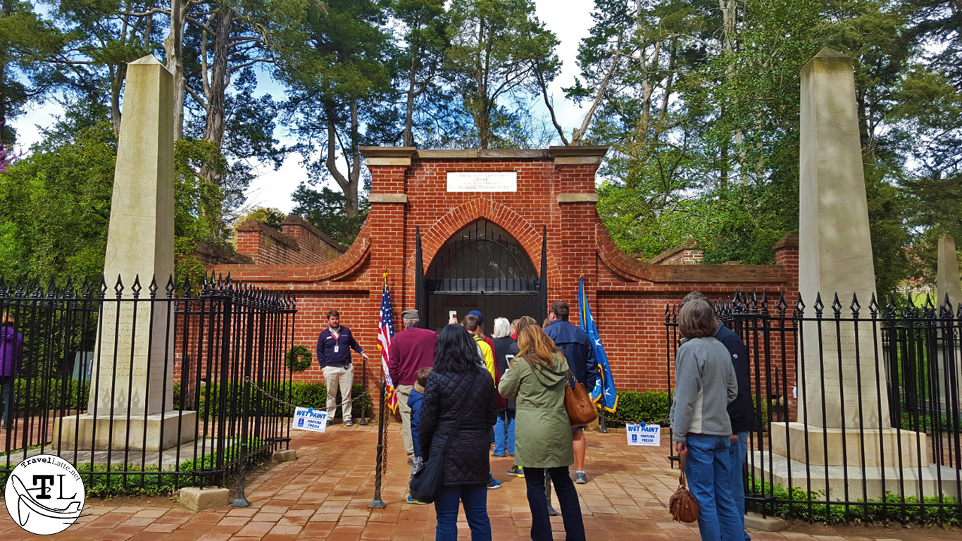 Washington's (New) Tomb - Touring Mount Vernon via @TravelLatte.net