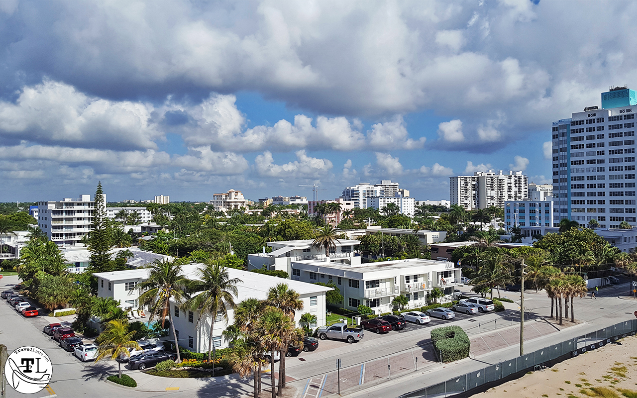 Opposite the beach is a view over Fort Lauderdale towards the Intracoastal Waterway.